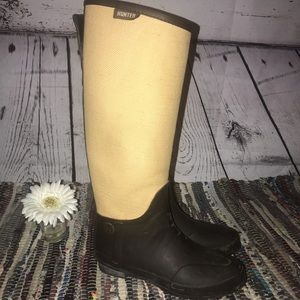 Hunter boots with fabric size 7.